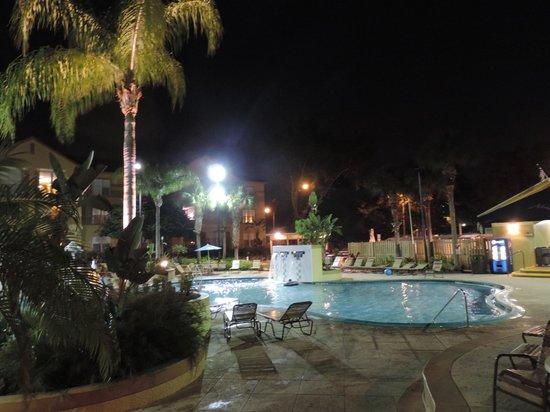 Blue Tree Resort at Lake Buena Vista: Vista noturna
