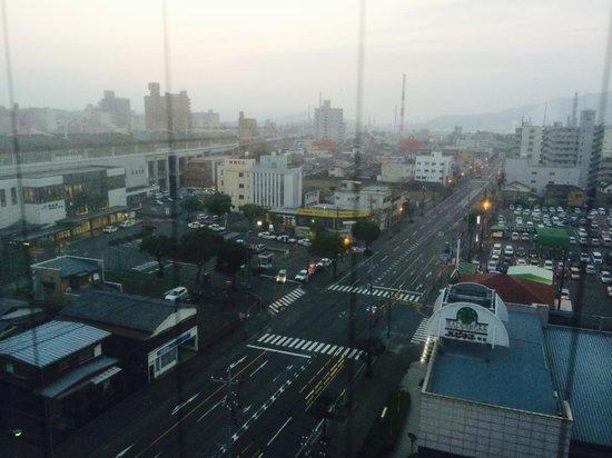 Hotel Sunroute Tokuyama: la stazione e la città dalla camera