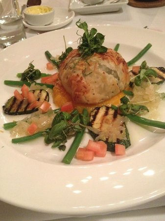 Colwall Park - Hotel, Bar & Restaurant: goats cheese, spinach and toasted pine nut filo pastry parcel