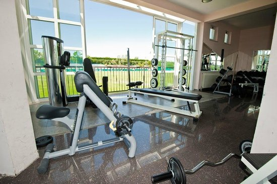 Fitness gym picture of hotel grande casa medjugorje for Gimnasio en casa