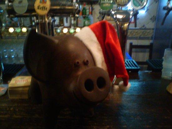 Black Piglet Beer Restaurant: новогодний свин!