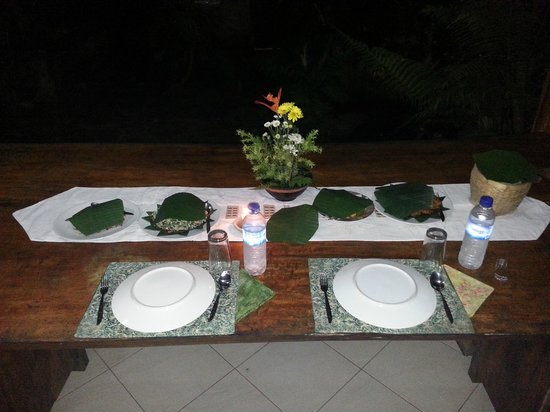 Alam Sari : Place setting for the cooking class finale!