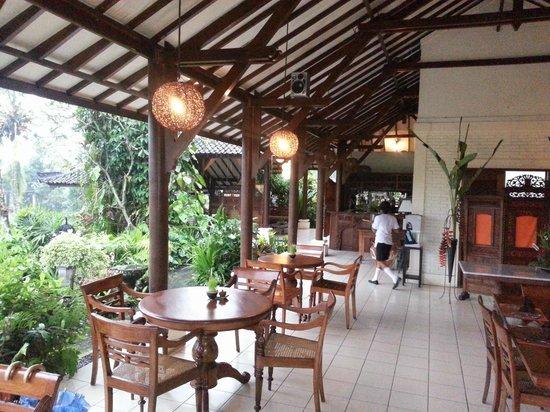 Alam Sari: The dining area