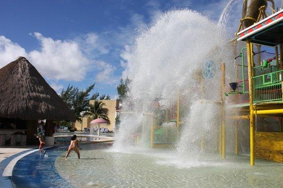 All Ritmo Cancún  Resort & Waterpark: Water Park
