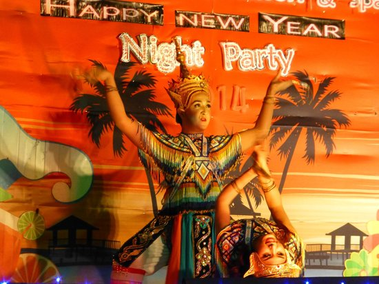 Kohhai Fantasy Resort & Spa: evening entertainment new years eve