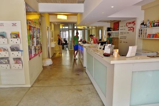 Circus Hostel & Hotel: Reception
