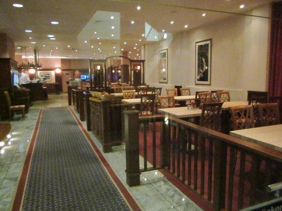 Hotel Königshof : Blick ins Restaurant