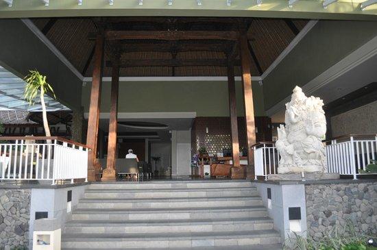 Abi Bali Resort & Villa: Reception area