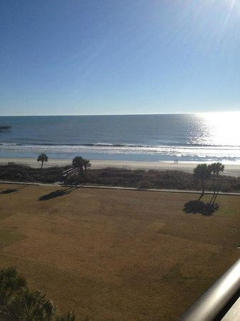 DoubleTree Resort by Hilton Myrtle Beach Oceanfront: View of beach from Palmetto Bldg
