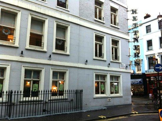 Kettners : restaurant windows