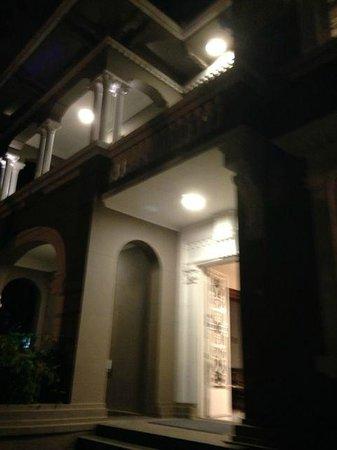 Hotel Laghetto Viverone Moinhos: Entrance of the Laguetto hotel Porto Alegre