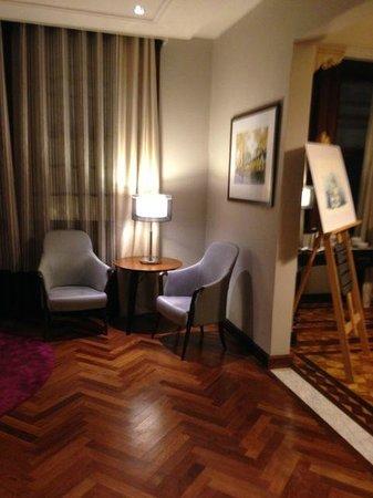 Hotel Laghetto Viverone Moinhos: Lobby at the villa building