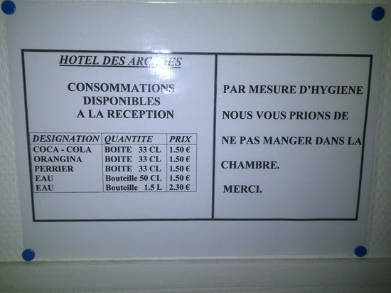 Hotel des Arcades: Note on the wall saying please do not eat in the room