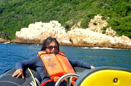 Knysna RIB Adventures: Relaxing at the boat before it speeds up and everything is flying :D