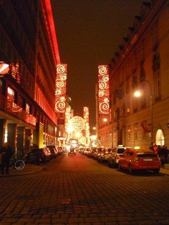 Hotel Royal : одна и улиц рядом с отелем