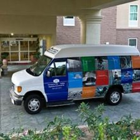 Hampton Inn & Suites by Hilton Denison: Remember, Hampton Inn and Suites offers shuttle to local companies and night life