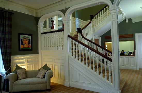 Burghfield House: Reception