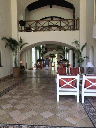 One&Only Le Saint Geran: lobby