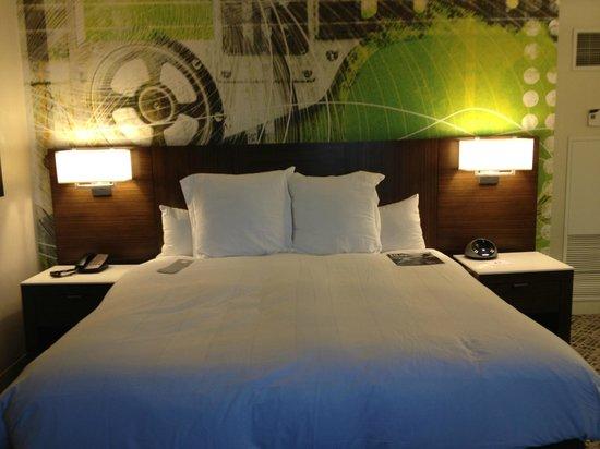 Renaissance Nashville Hotel: Bed