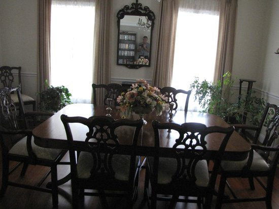 Primrose Hill Bed & Breakfast: Dining area
