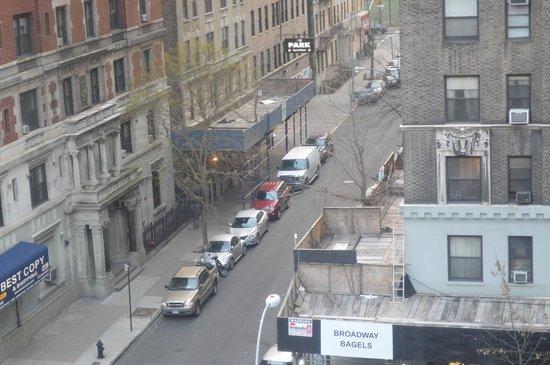 Broadway Hotel and Hostel : Vista da rua
