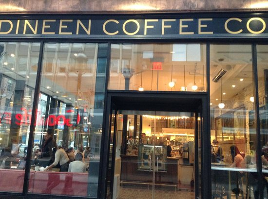 Dineen Coffee Company : Cafe entrance