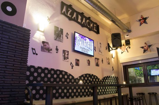Decoracion De Un Karaoke ~ Nuestro muro de la m?sica fotograf?a de Azabache Karaoke Bar