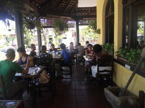 Cocina de Doña Haydée: Outside seating area