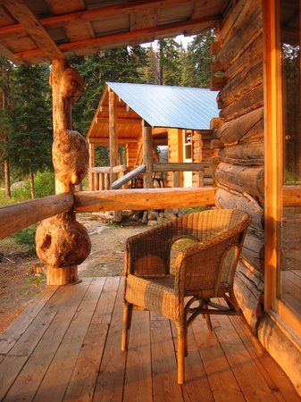 Caverhill Fly Fishing Lodge: Lakefront Cabins