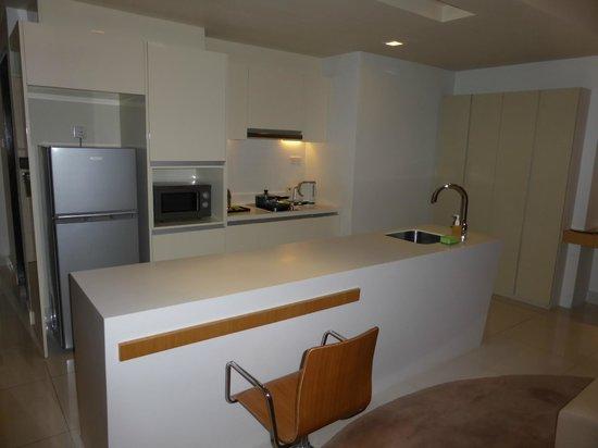 PARKROYAL Serviced Suites Kuala Lumpur : Kitchen area