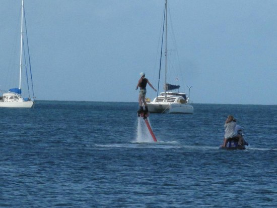 Rodney Bay: Sport acquatici...non sanno più cosa inventare!!