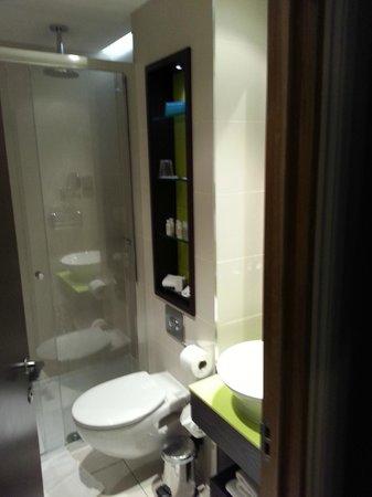 Hotel Indigo London-Paddington: Bathroom