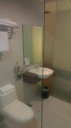 Hotel Grand Paragon : Bathroom 2