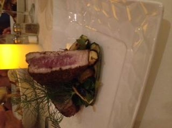 Restaurant Masala Bar & Grill: Pepper Crusted Tuna