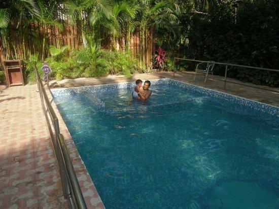 Villa Fatima Beach Resort: Swimming pool