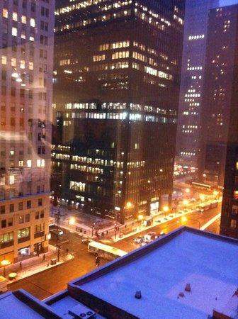 Comfort Suites Michigan Avenue / Loop : View from living room window of Michigan Avenue