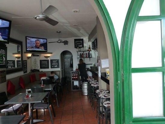 Links Bar Aloha Pueblo: Links Bar