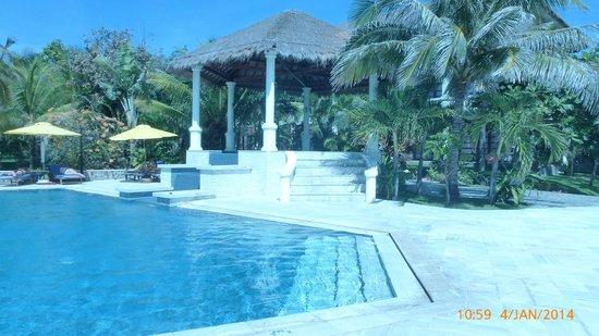 Allezboo Beach Resort & Spa: Shaded spa pool
