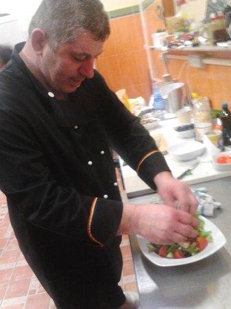 Promessa & Promises Restaurant : manager captain cook