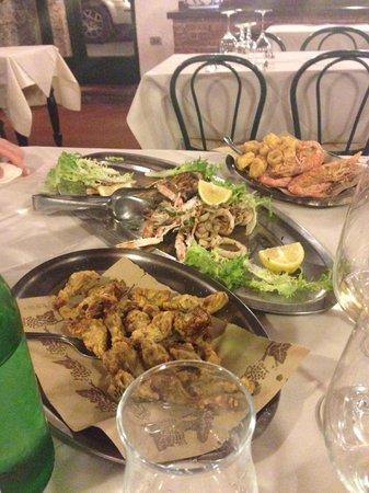 La Buca: Frittura e grigliata mista di pesce.