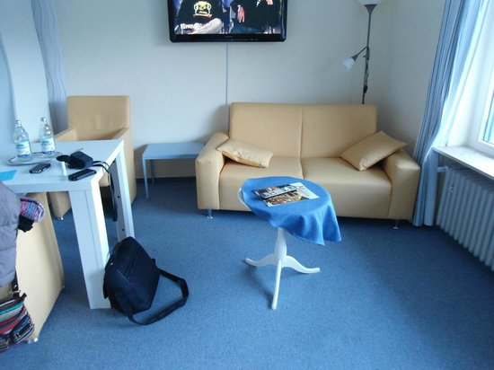 Hotel Sonnenhof garni: coin salon de notre chambre