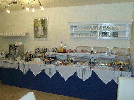 Hotel Sonnenhof garni: buffet pdj.