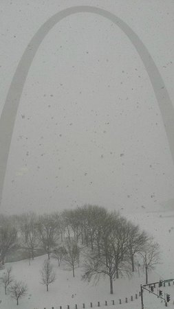Hyatt Regency St. Louis at The Arch : Blizzard in St Louis!! View from the room of the Arch