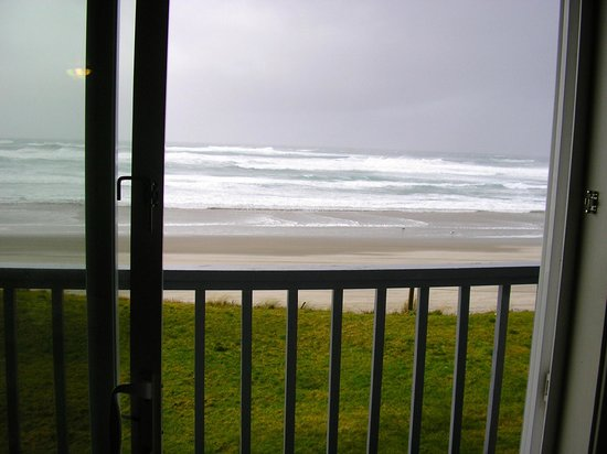 Surfside Resort: Sitting in couch and watching winter weather.