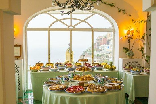 Le Sirenuse Hotel: Breakfast