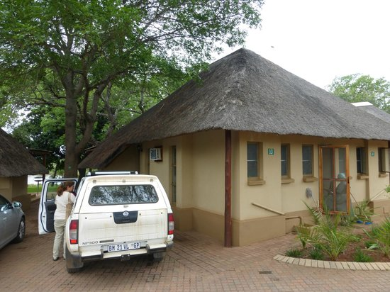 Lower Sabie Restcamp: Rondavel from outside