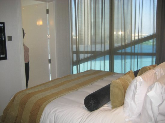 Jumeirah at Etihad Towers: 2 bed apartment - room1