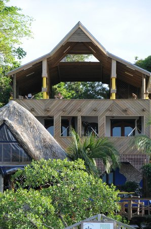 Tranquilseas Eco Lodge and Dive Center: The upper deck