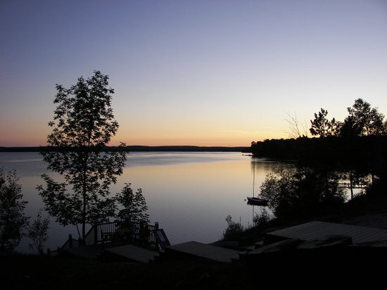 Doll's Paradise Lake Resort: Sunset evening view