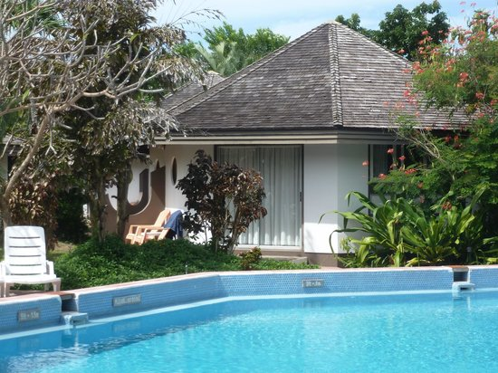 Kariwak Village Holistic Haven and Hotel: Main pool and cabins
